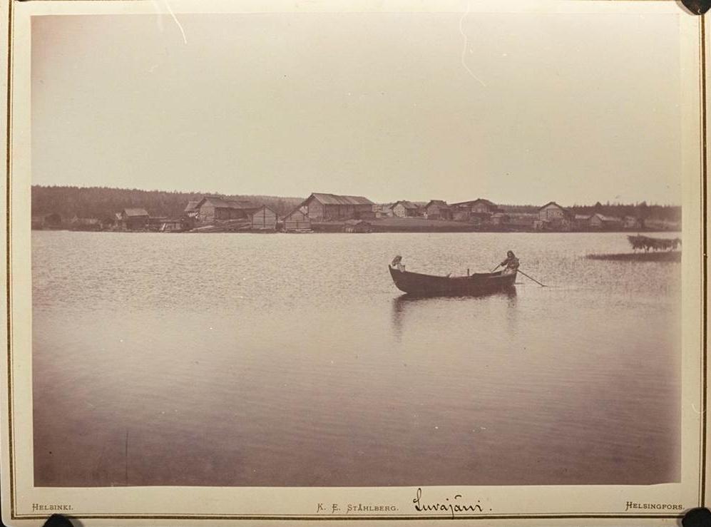 I. K. Inhan kuva Vienan Karjalan Luvajärveltä vuonna 1894. Kuva: SKS.